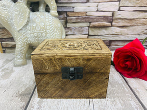Carved Mango Wood Essential Oil Box (with 6 Essential Oils)