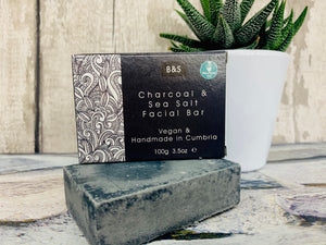 Charcoal and Sea Salt Facial Cleansing Bar (100g)