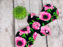 "Load image into Gallery viewer, Pink Floral 12"" Super / Postpartum Cloth Menstrual Pad"