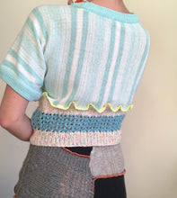 Load image into Gallery viewer, MIXED TEXTURE KNITTED CROPPED TOP