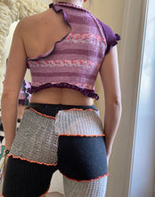 Load image into Gallery viewer, MIXED TEXTURE CUTOUT KNITTED CROP TOP