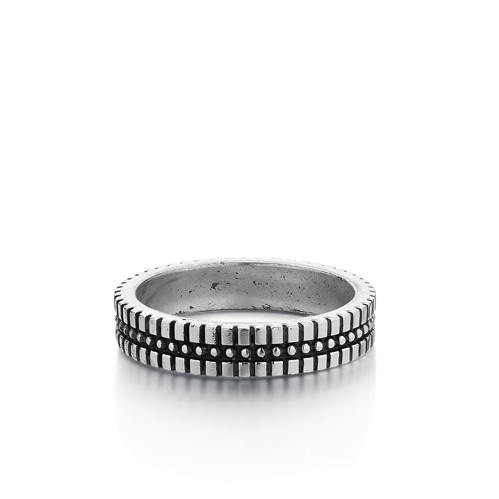 ALEJO | Silver Band with Dots and Etching