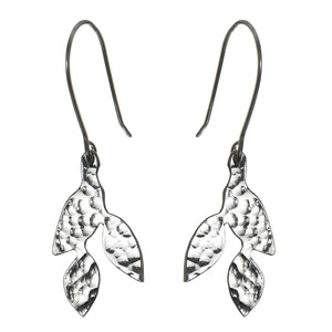 Plated meadow small leaf earrings