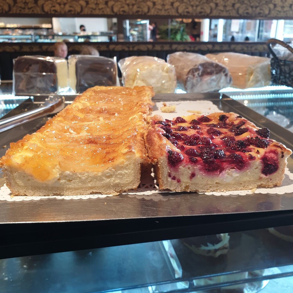 Streusel Slice -  Specialties, Sweet Treat
