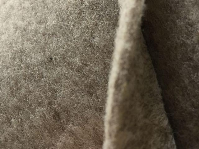 Veltrim smooth lining carpet. Stone