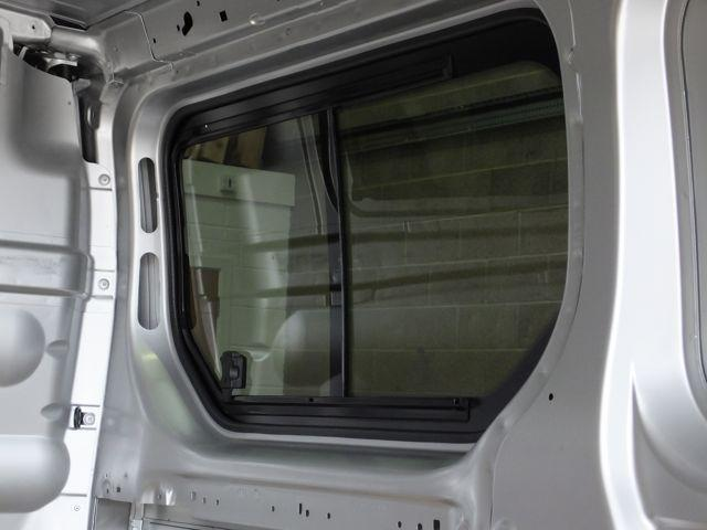 Right Opening Window (Privacy) For Trafic - Not A Sliding Door