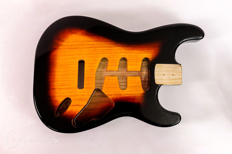 Kit Guitar S-style Three-Tone-Burst Gloss Front with Pickguard & Trem