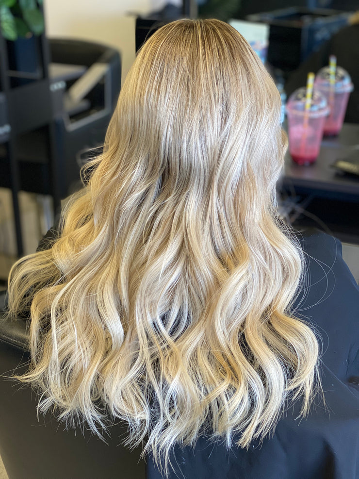 "Micro Ring Extensions . Colour : light blonde (613) length 18"". 25g"