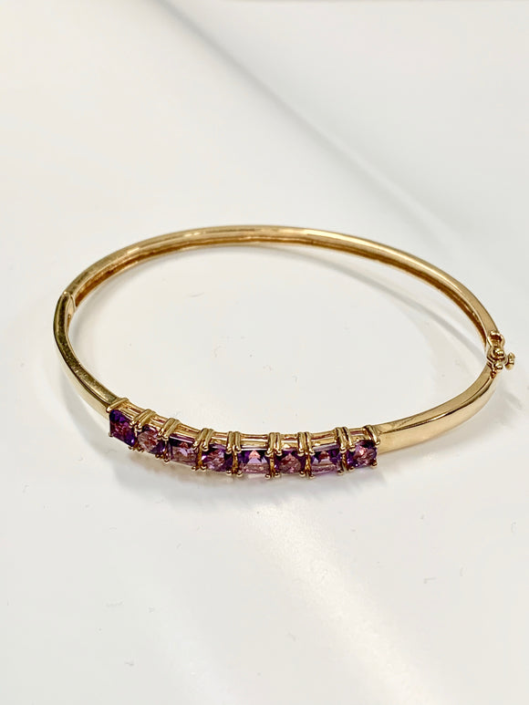 9CT GOLD & AMETHYST BANGLE