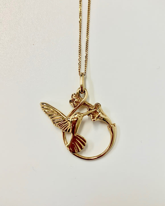 9CT GOLD HUMMINGBIRD NECKLACE