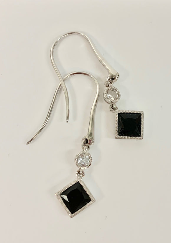 9CT WHITE GOLD & BLACK AGATE EARRINGS