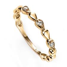 9CT GOLD & DIAMOND RING