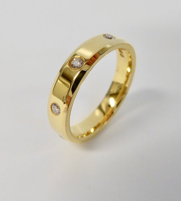 BROWN & NEWIRTH 18CT GOLD DIAMOND WEDDING RING