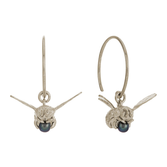 ALEX MONROE FLYING BEE WITH PEACOCK PEARL HOOP EARRINGS