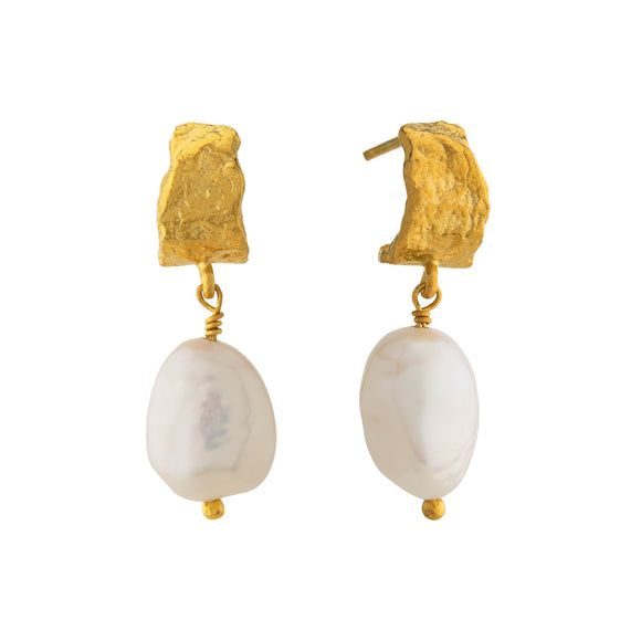 ALEX MONROE BARK HUGGIE HOOP EARRINGS WITH BAROQUE PEARLS