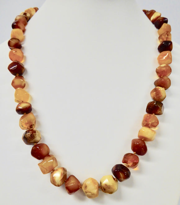 AMBER CUBE BEAD NECKLACE