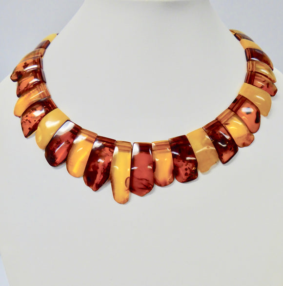 AMBER COLLAR LARGE FLAT BEAD NECKLACE