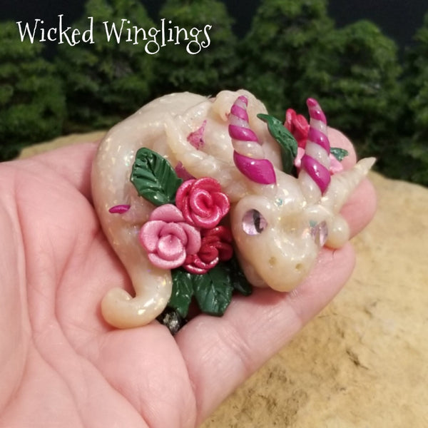 Szerelem - Hand Sculpted Polymer Clay Dragon - Wicked Winglings