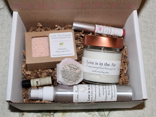 Love is in the Air Gift Set