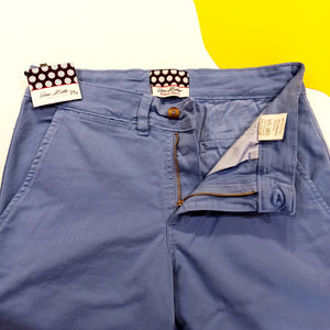 "URBAN BUTTON - Pantaló ""Chino"" Cotó Blau Cel"