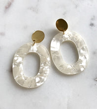 Load image into Gallery viewer, coco earrings - frost