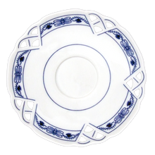 Load image into Gallery viewer, Decorative Saucer