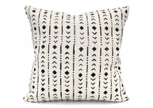 Load image into Gallery viewer, Mudcloth Black Rhombs on White Pillow Cover - 20x20