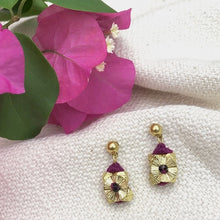 Load image into Gallery viewer, Keya Flower Earrings