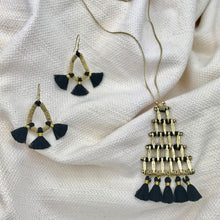Load image into Gallery viewer, Kai Pyramid Necklace