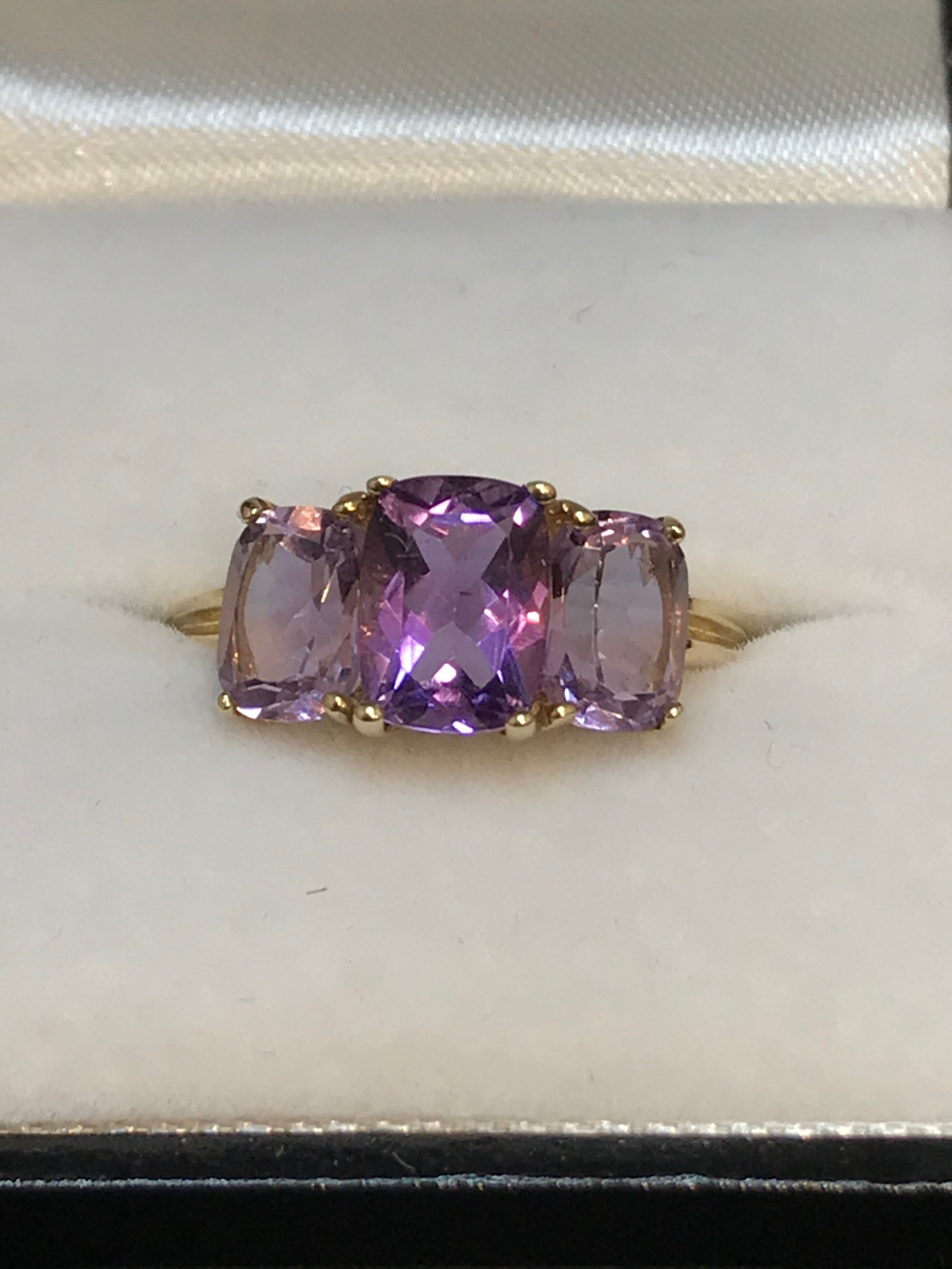 9ct Yellow Gold Amethyst Rose de France Ring