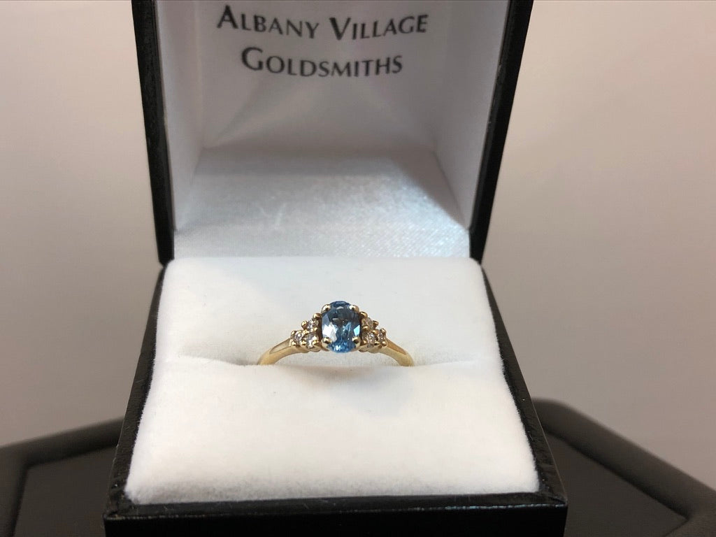 9ct Yellow Gold Aquamarine & Diamond Ring