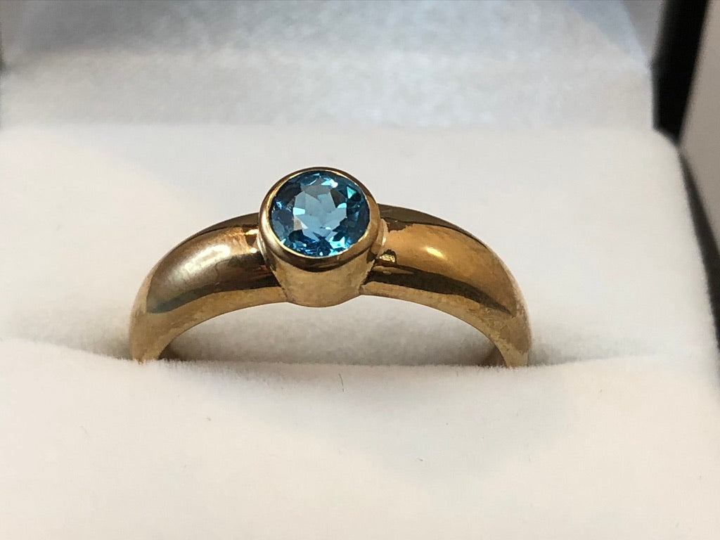 9ct Yellow Gold Topaz Ring
