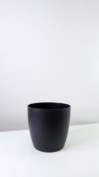 Black Tapered Edged Pot