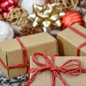 Natural economical and Simple DIY Holiday gifts that everyone will love