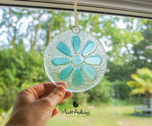 "Load image into Gallery viewer, Turquoise Daisy Suncatcher - 12cm(5"")"