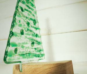 "L Green Glass Tree - 22cm(8 1/2"") with wooden block"
