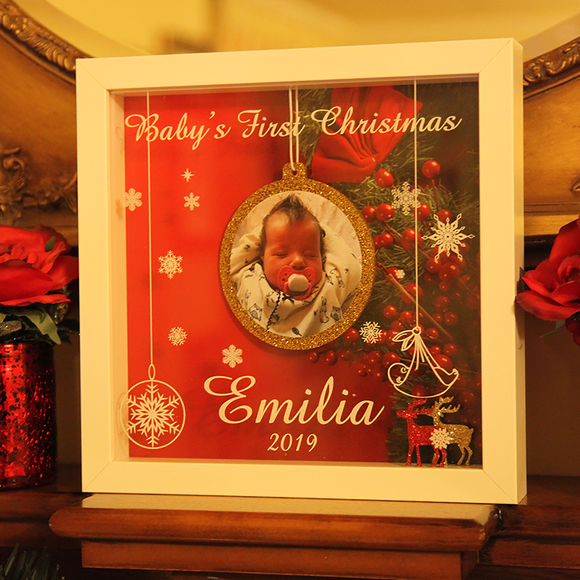 Picture Frame – Baby's First Christmas - Red Background 👶