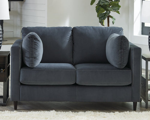 Kennewick Signature Design by Ashley Loveseat image