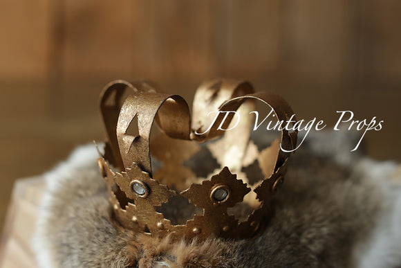 Gold Italian-Style Crown without Topper