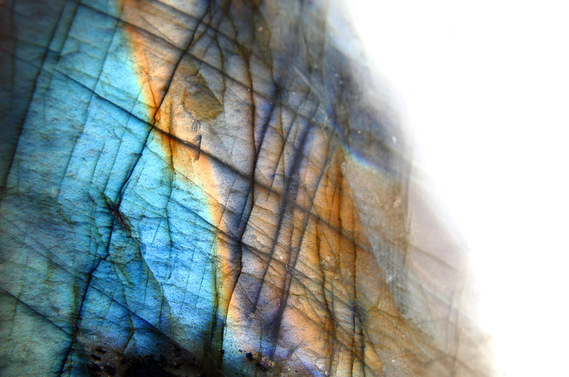 Labradorite Meaning: All The Healing Properties & Uses You NEED To Know