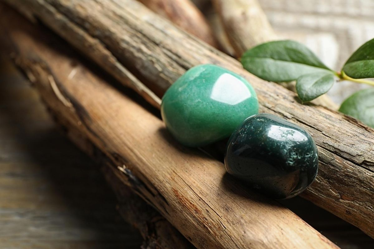 Green Aventurine with Wood