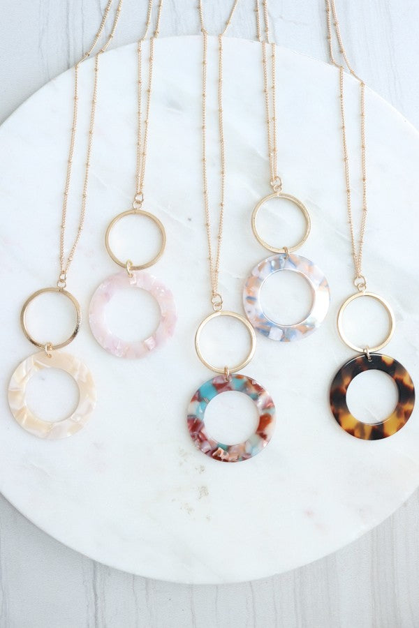 Connected Circle Pendant Necklace