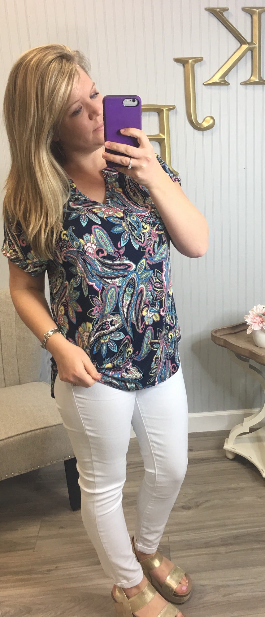 HM Vneck Navy Bright Paisley Top