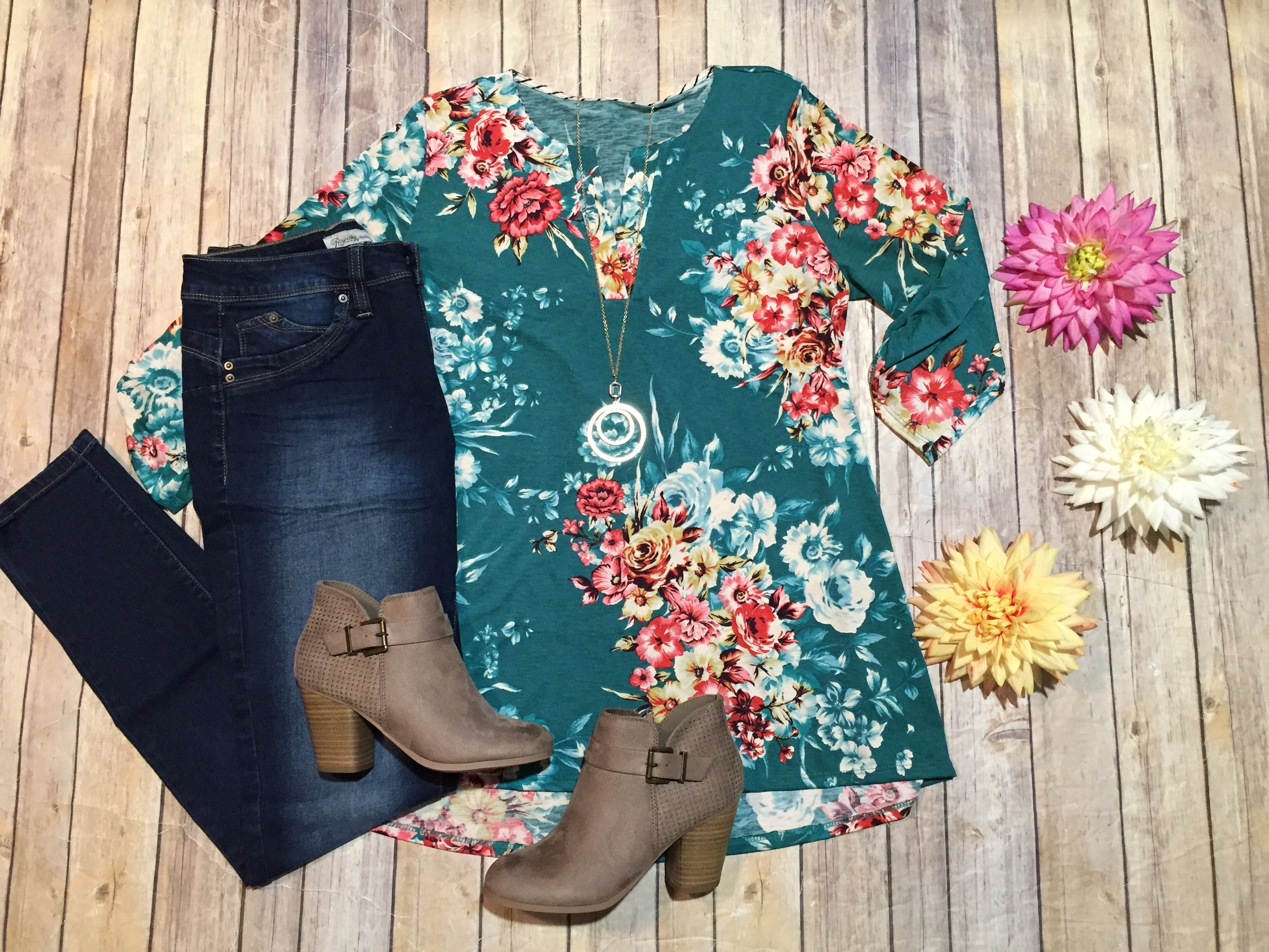 HM Gabby Teal Floral Top