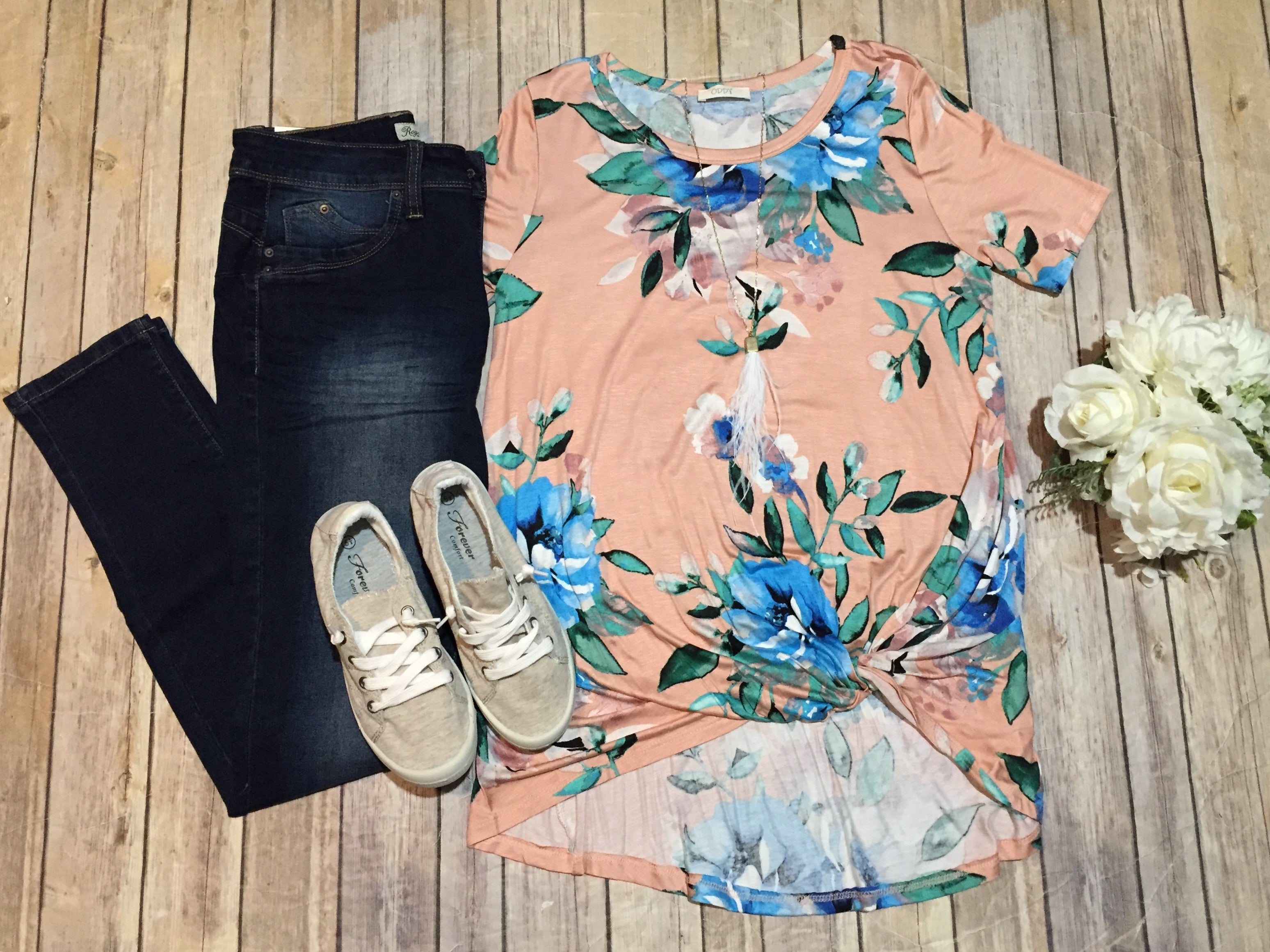 Short Sleeve Blush Floral with Twist