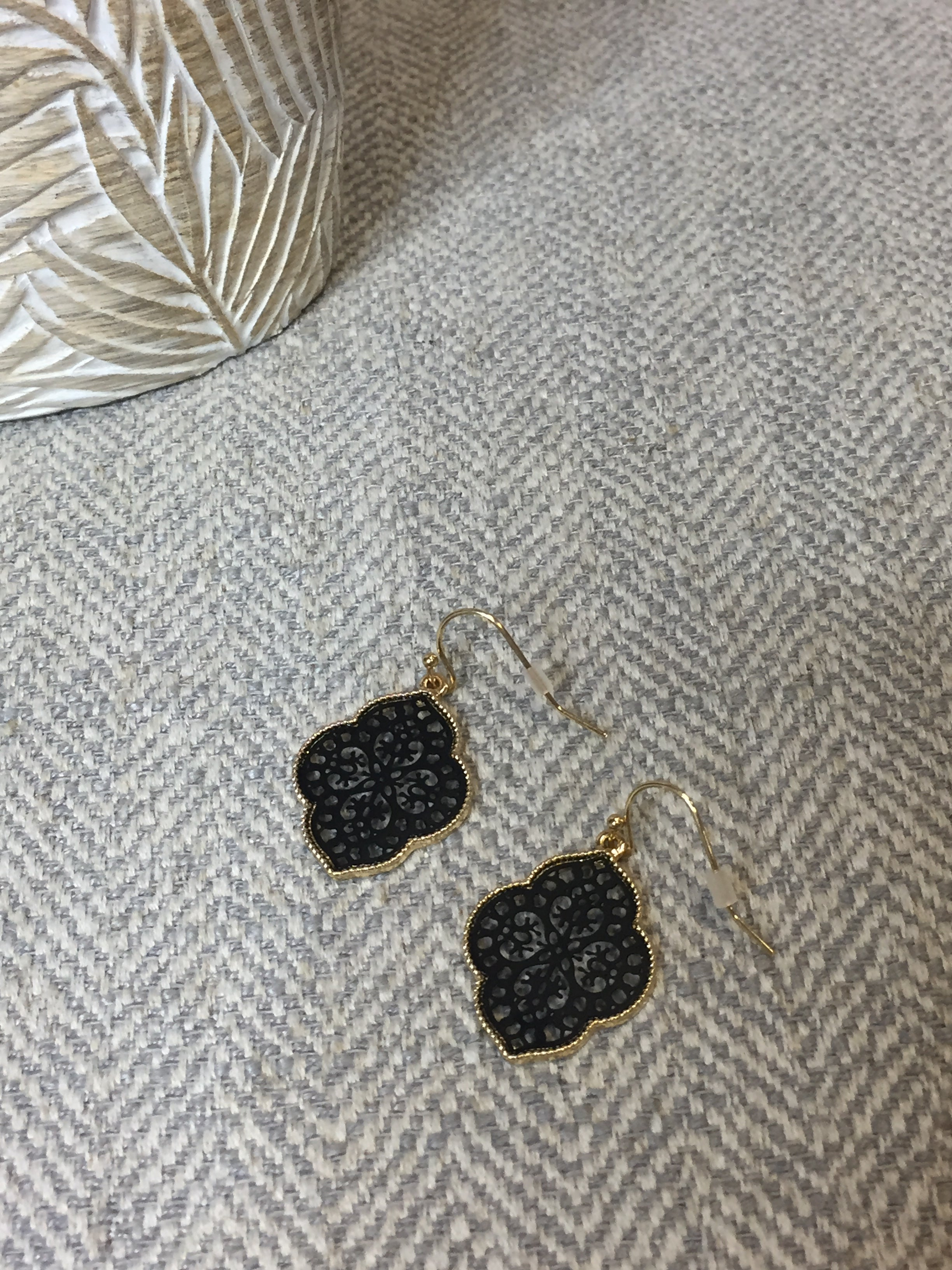 Simple Detailed Dangle Earrings -H7