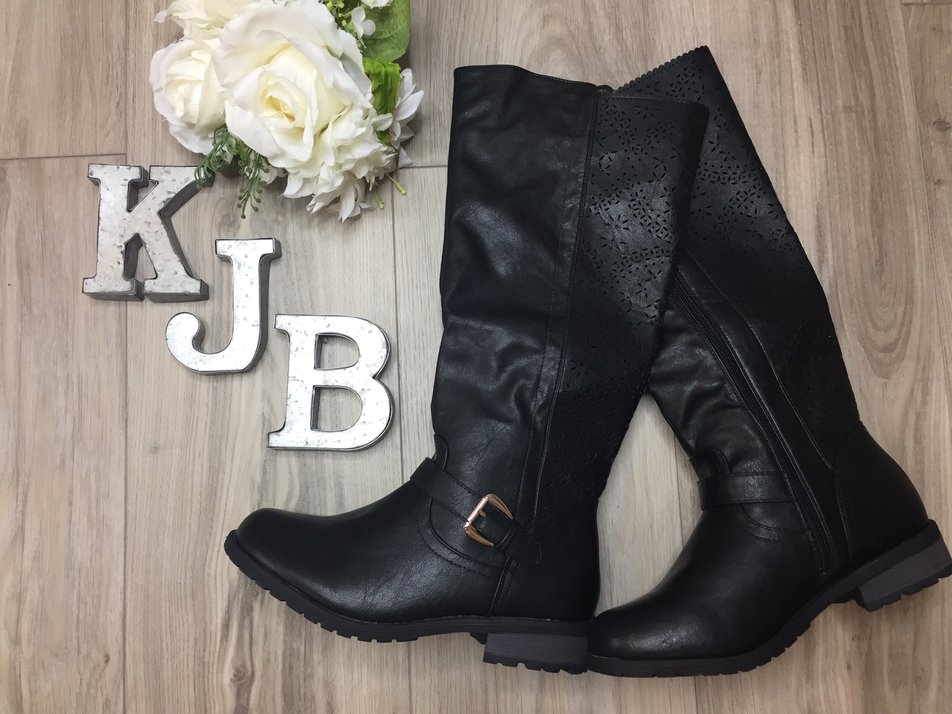 Scallop Detail Back Black Buckle Boots