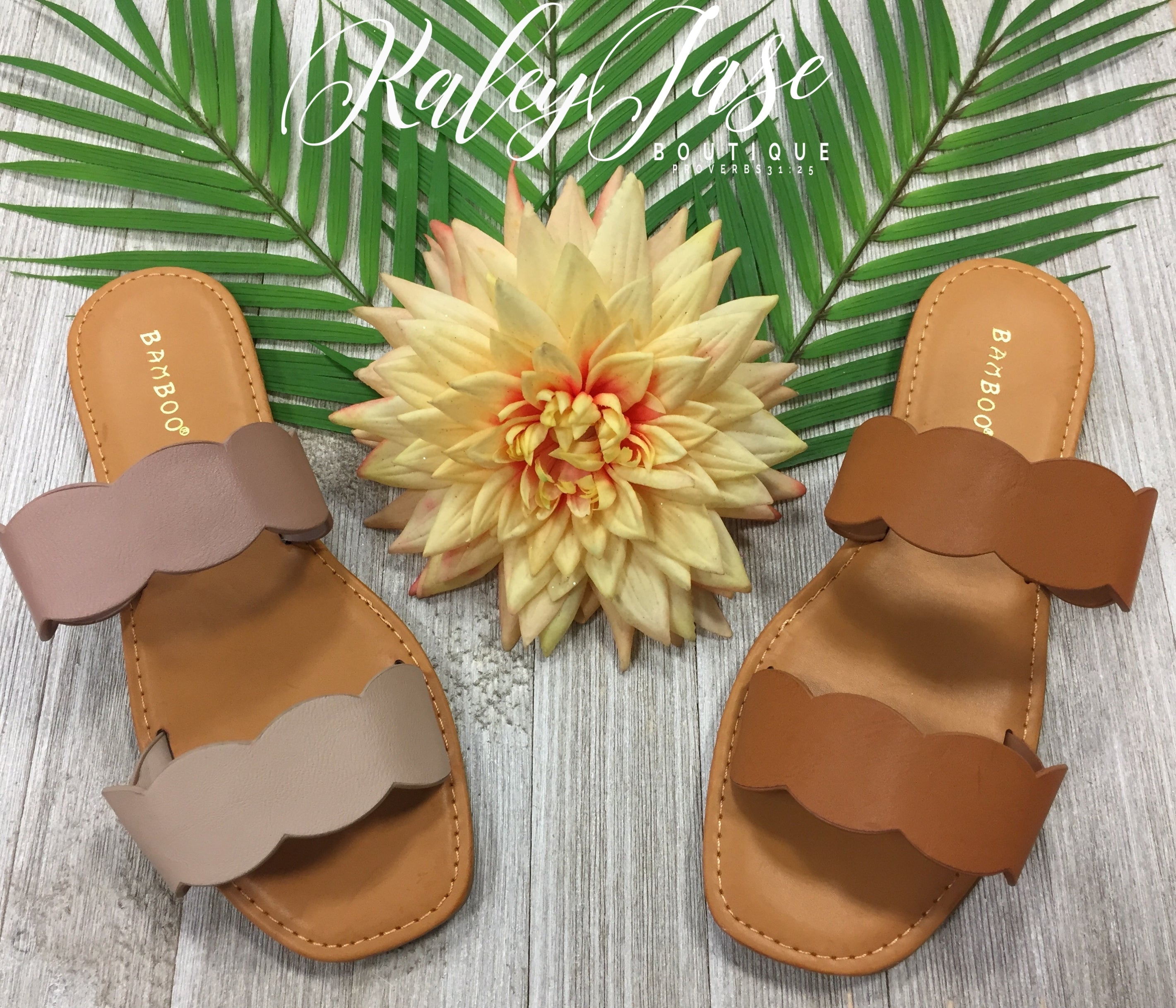 Scallop Double Band Sandals