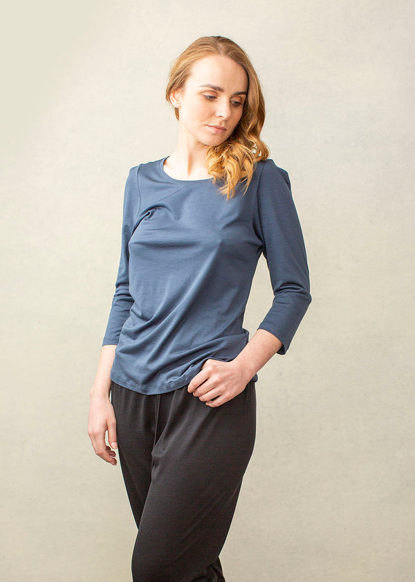 3/4 SLEEVE SCOOP NECK IN BLUE