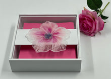 Load image into Gallery viewer, Serviette / Napkin Wooden Box decorated with Resin Glitter Flower